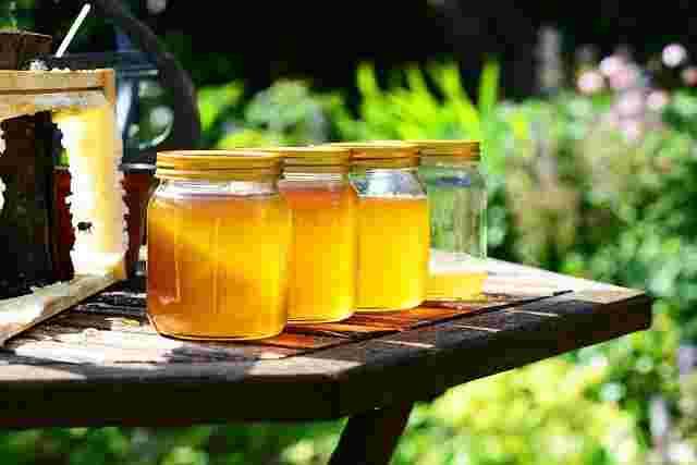 Dabur,Marico互相指责关于蜂蜜的虚假索赔,接近广告监管机构ASCI