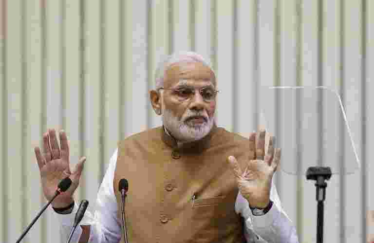 PM Modi Dubs Dubs大会的贷款豁免作为政治特技