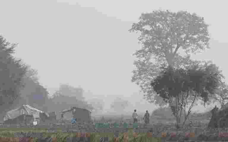 """""""新德里窒息作为污染水平达到今年最差"""