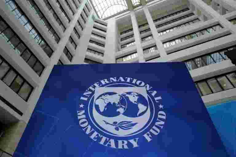 """国际货币基金组织警告全球经济""""风暴""""作为增长欠潮"""