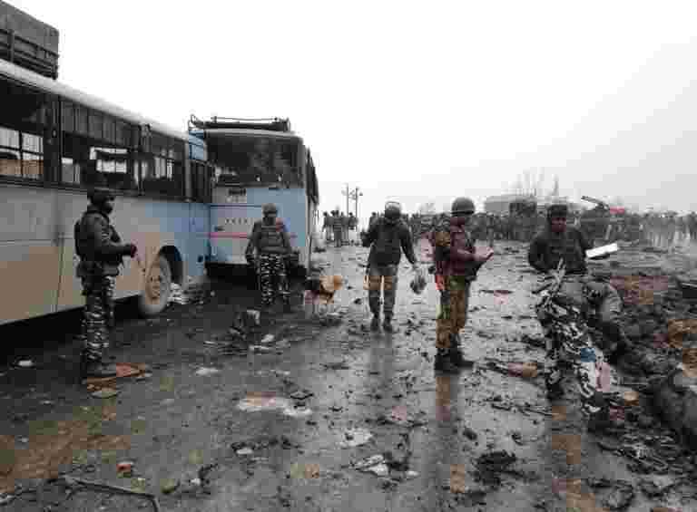距离Pulwama的CRPF车队爆炸10公里:当地人