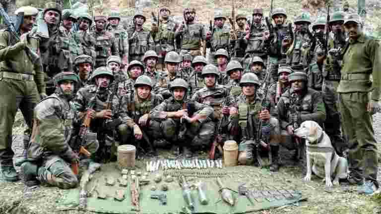 OFB获得了生产114个远程火炮'Dhanush'的许可