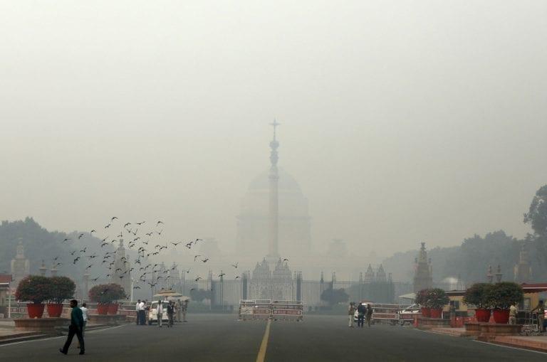 """""""雨恶化污染,德里的空气质量在""""非常贫穷""""的类别中"""
