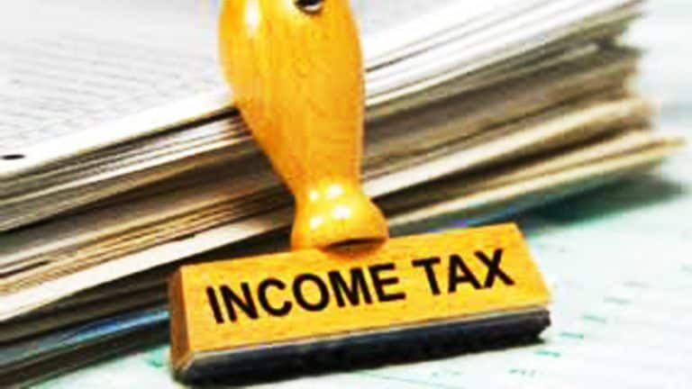 很快,报告称,通过UPI,移动钱包,信用卡支付税款